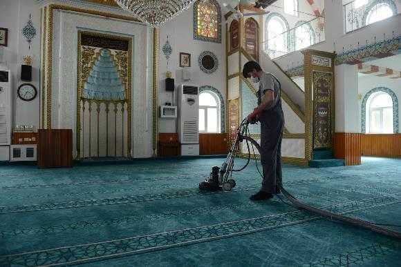لماذا شركة مفتاح الدقة هي الأفضل في تنظيف المساجد؟